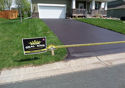 Asphalt Sealcoating & Repair Contractor in Austin