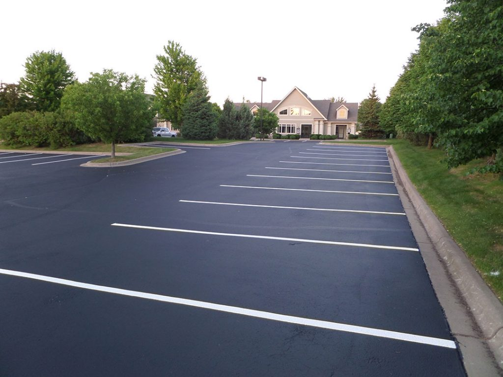 Asphalt Sealcoating & Repair Contractor in Faribault
