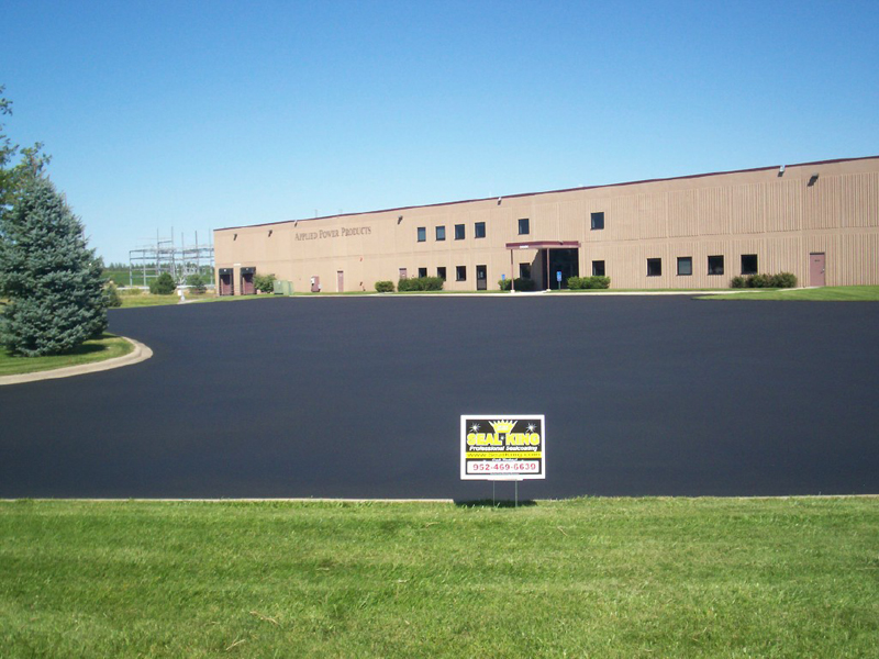 Asphalt Sealcoating in Duluth MN